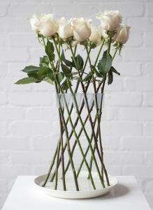 Crown-Vase-by-Lambert-Rainville-creates-freestanding-flower-arrangements_Dezeen-5